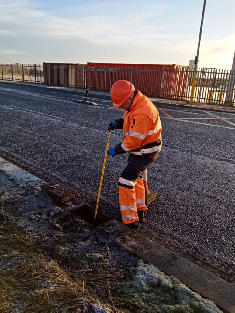 Drain cleaning and maintenance service