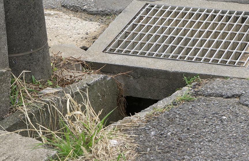 road drain clearing